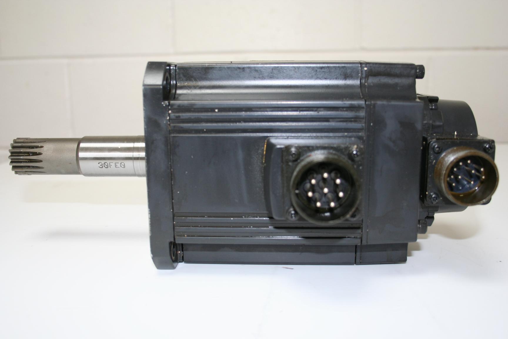 Mazak Mitsubishi AC Servo Motor HC-SF152K-S4 c