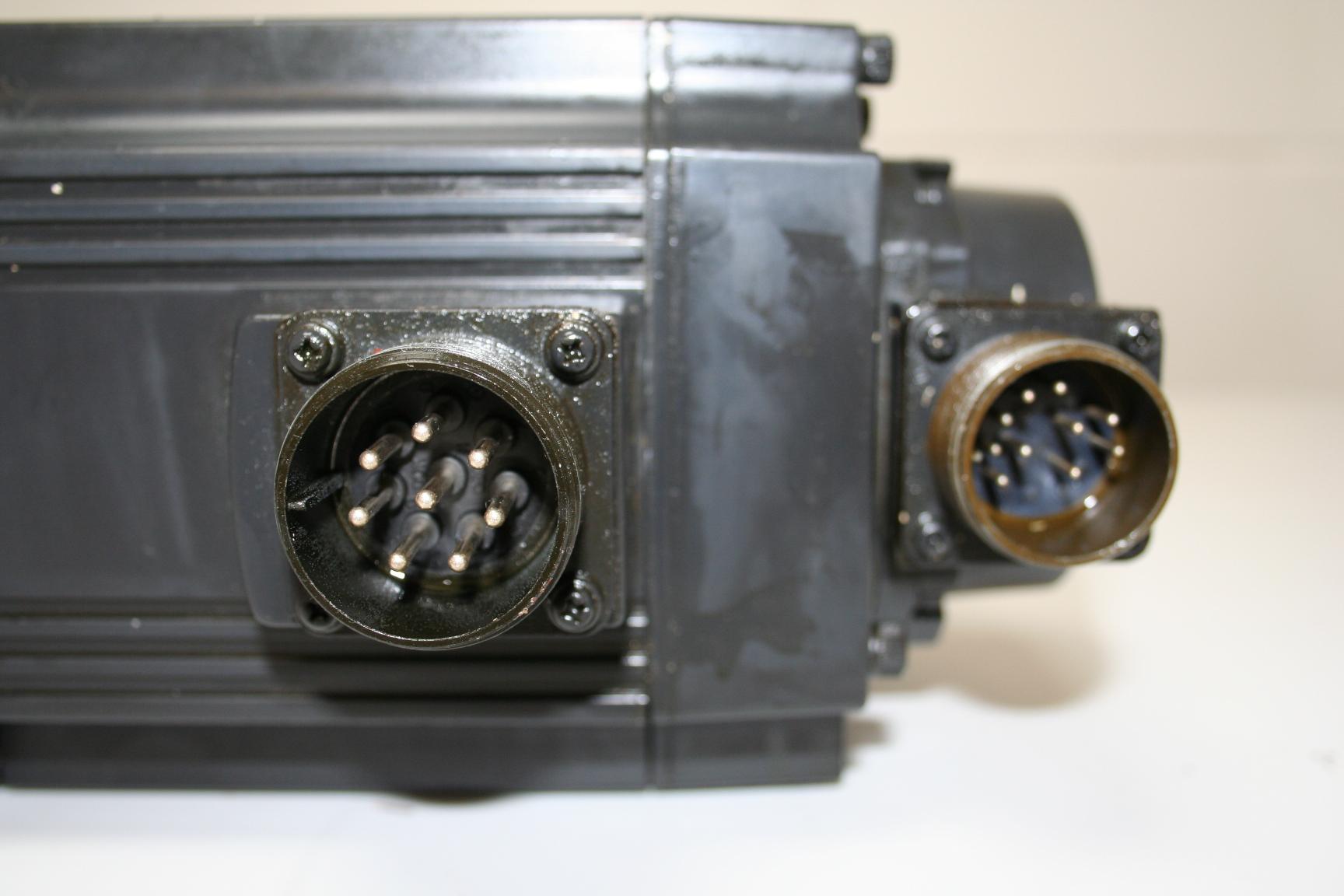 Mazak Mitsubishi AC Servo Motor HC-SF152K-S4 d