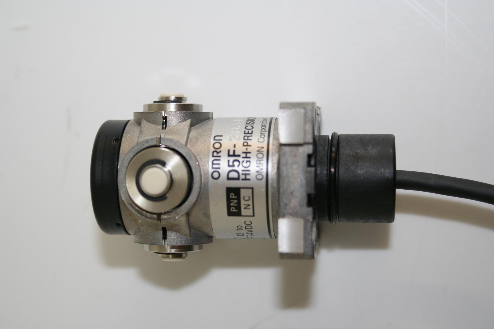 Omron D52B34C-Y High Precision Switch 1